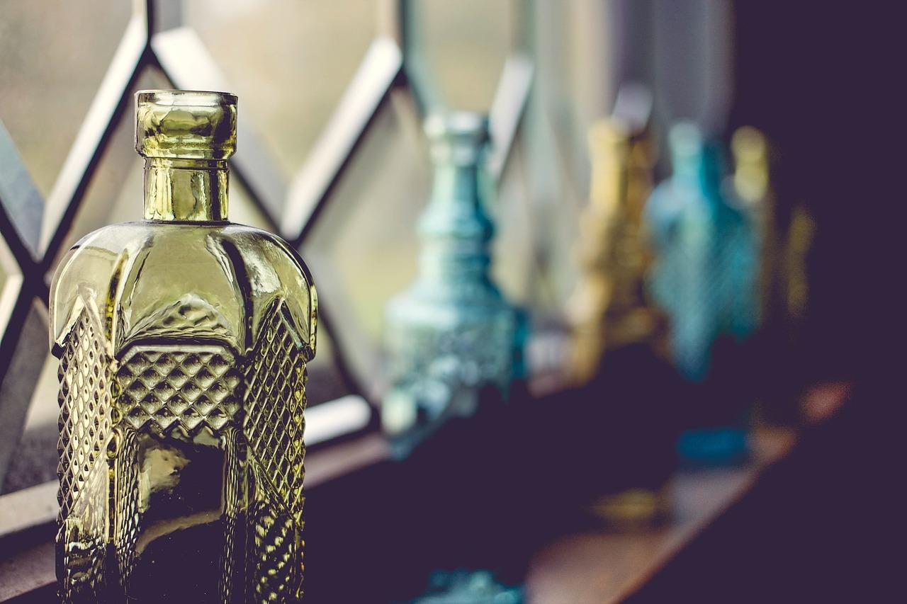 bottles-691139_1280