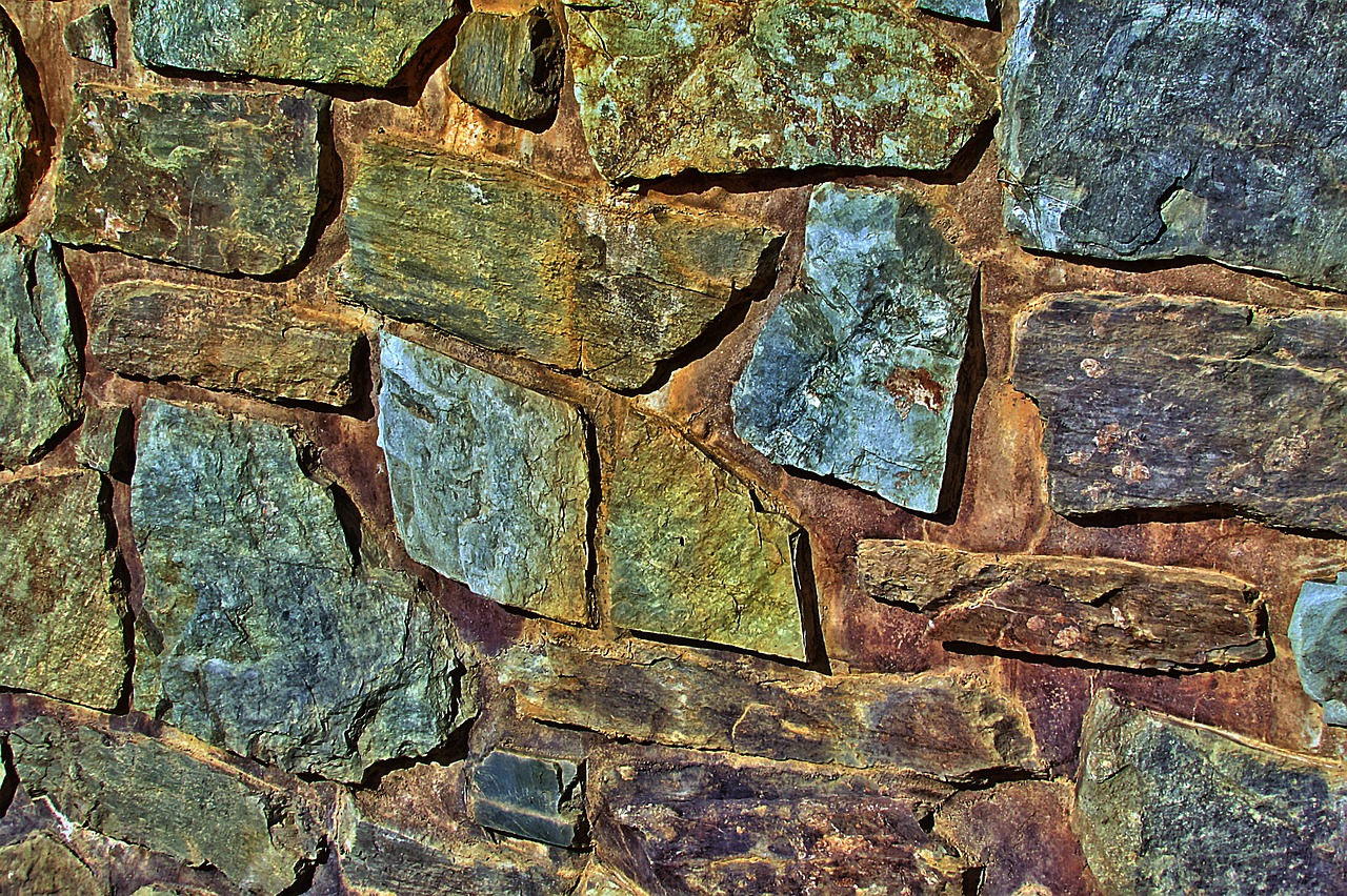 stone-wall-668100_1280