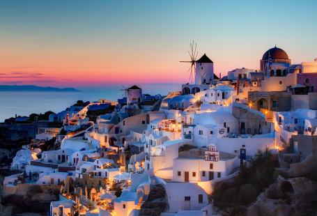 1024px-Oia,_Santorini_HDR_sunset