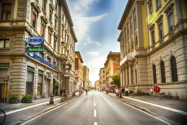 city-road-street-italy