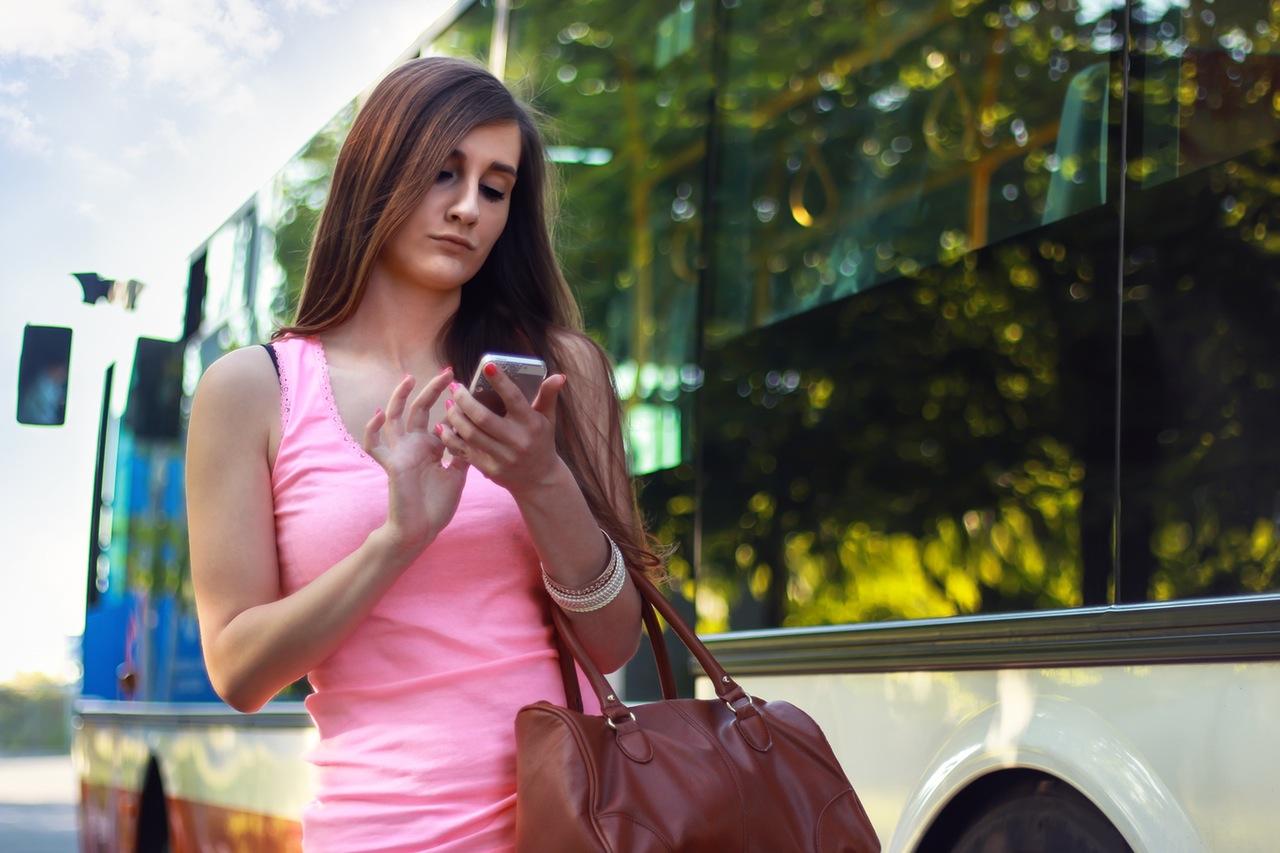 woman-smartphone-girl-bus