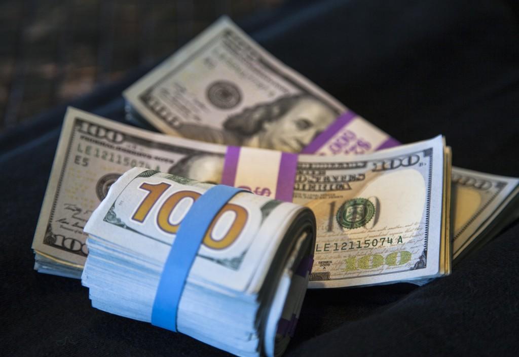 cash-4070284_1280
